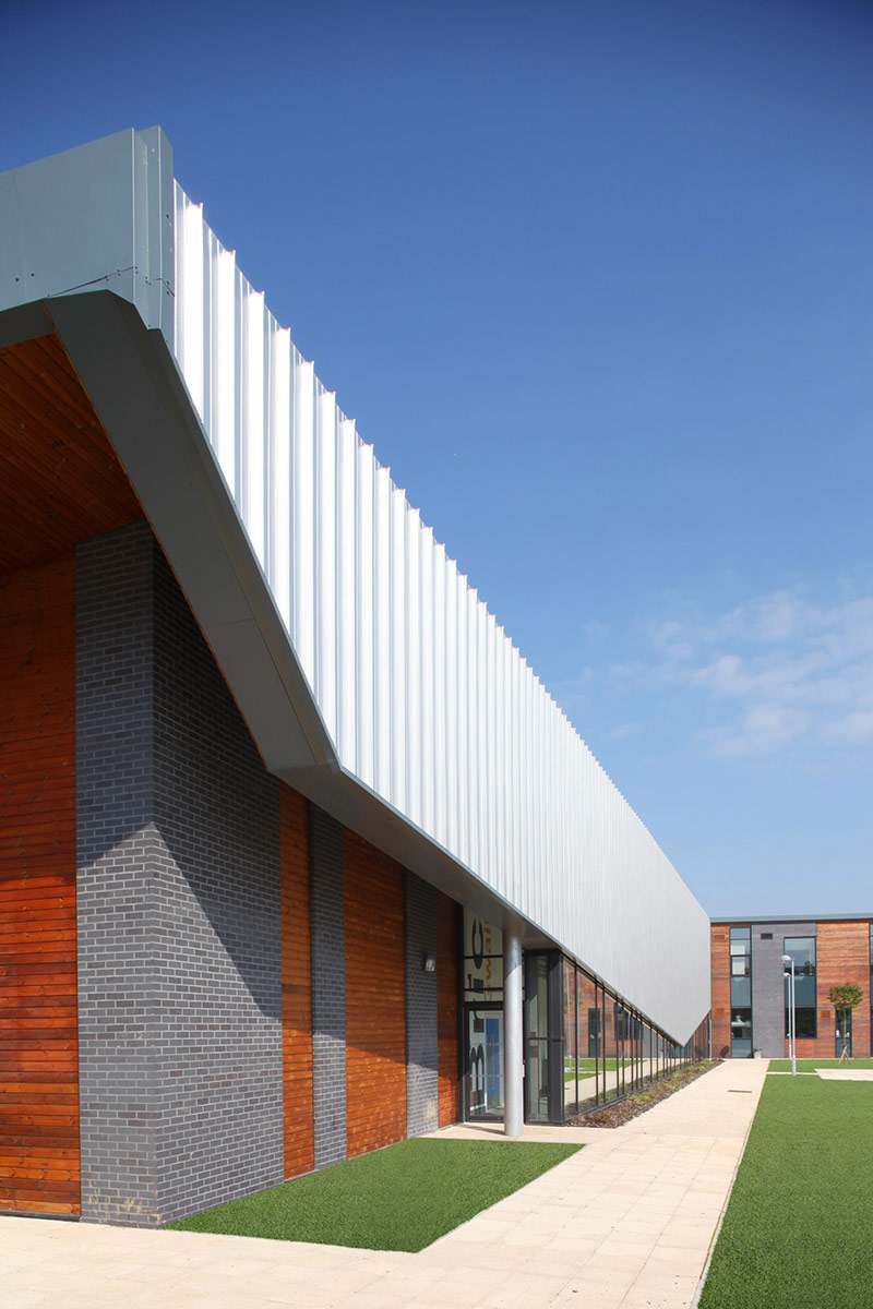 Merthyr College / Vinci Construction