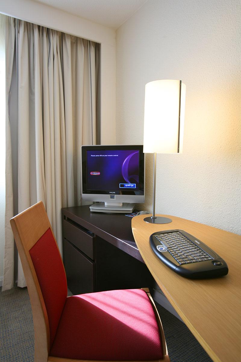 Novotel Birmingham International Hotel Bedroom Desk, Accor Hotels