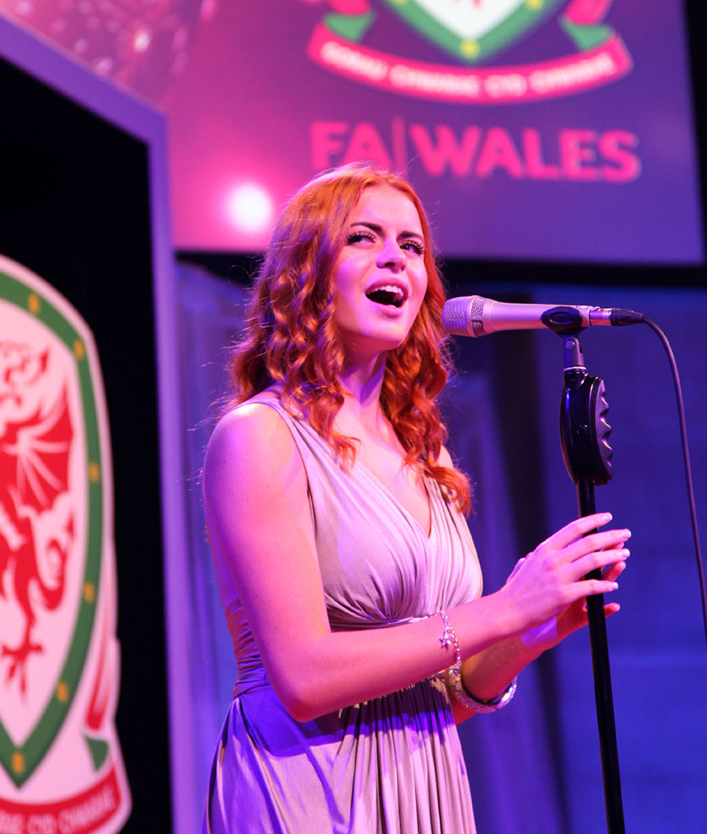 Sophie Evans performing at FAW Gala Awards Dinner